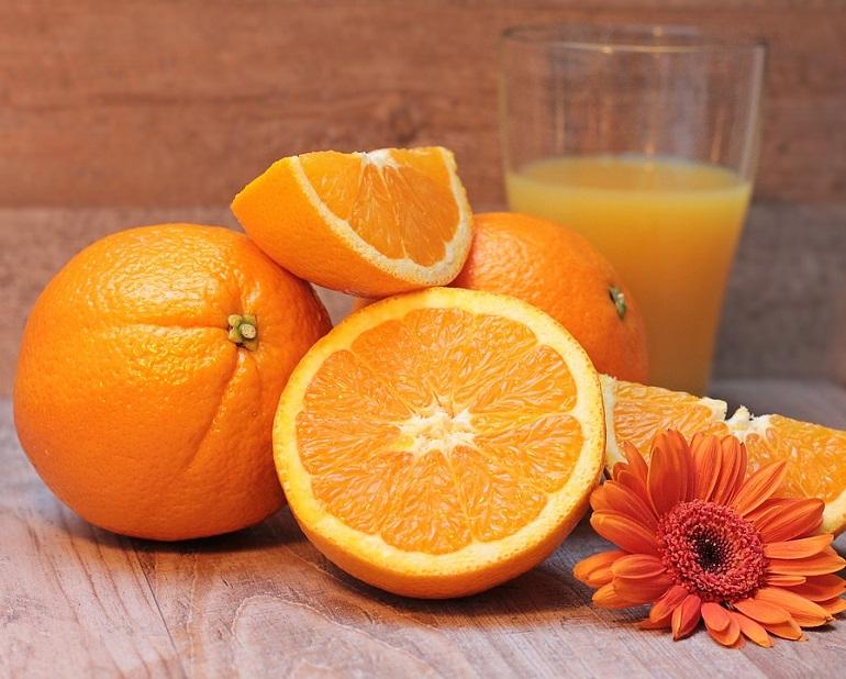 Симптомите на катаракта се подобряват при високи нива на витамин С в кръвта.